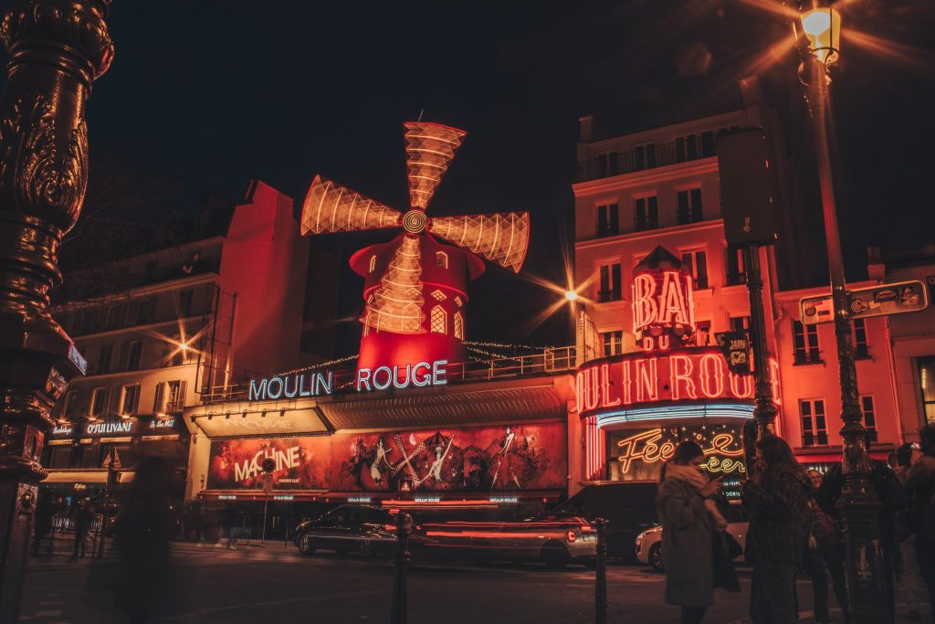 moulin rouge a montmartre parigi